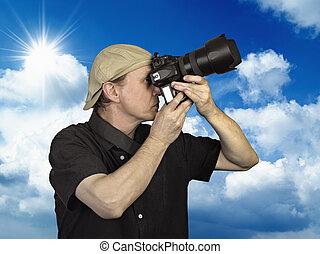ciel bleu, contre, tenu, homme appareil-photo