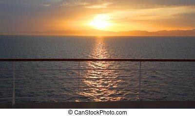 ciel, croiseur, pont, en mouvement, coucher soleil, vue
