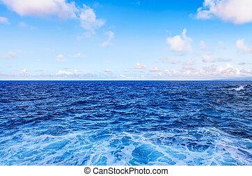 cielo azul, aguas océano, ondas, blanco, clouds.