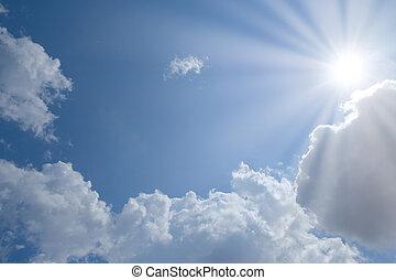 cielo azul, con, nubes, y, sol, con, lugar, para, su, texto