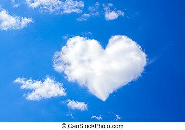 cielo blu, con, uno, nube bianca, in, il, forma, di, cuore