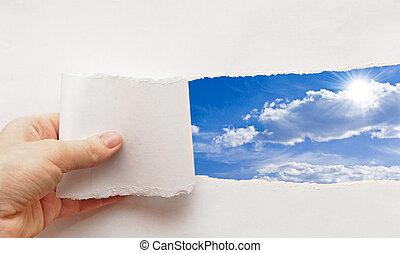 cielo blu, dietro, carta lacerata