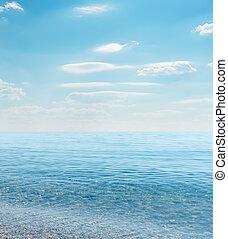 cielo blu, mare, nuvoloso