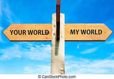cielo blu, opposto, legno, signpost, sopra, frecce, due, chiaro, immagine, concettuale, mondo, mio, tuo, mondo, separazione