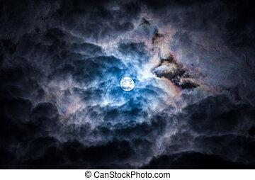 cielo drammatico, luna