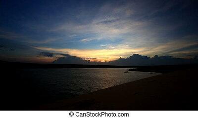 ciemny, panorama, niebo, jezioro, głęboki, clody, zachód...