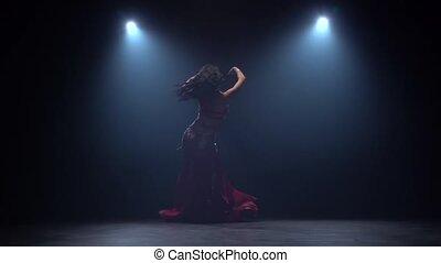 ciemny, powoli taniec, ruch, tło., czarnoskóry, brzuch, dym, studio.