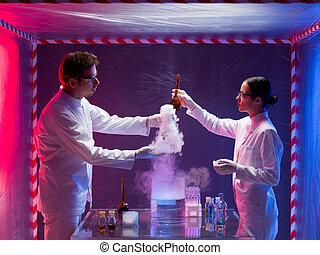 científicos, dentro, un, biohazard, espacio, prueba, tóxico