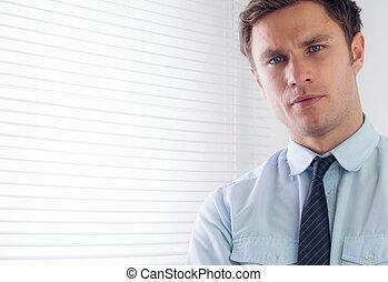 cierre, retrato, elegante, hombre de negocios, arriba