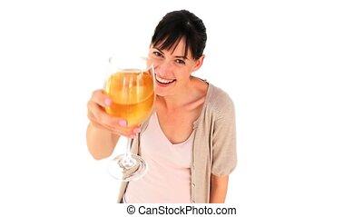 cieszący się, białe wino, szkło, brunetka