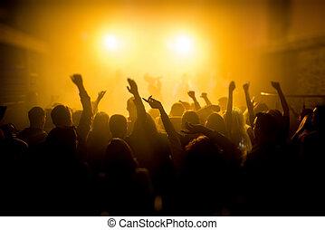 cieszący się, grupa, koncert, ludzie