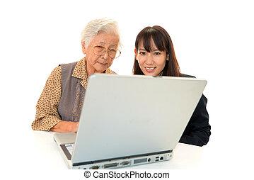 cieszy się, kobieta, stary, komputer