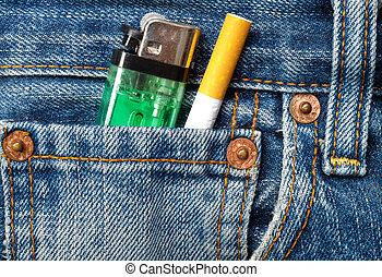 cigaretták, öngyújtó