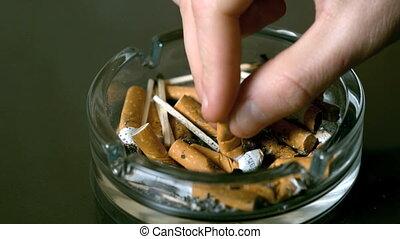 cigarette, ashtr, mettre, dehors, main