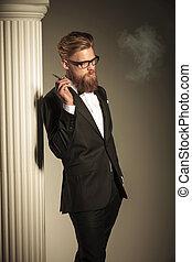 cigarro, desfrutando, seu, homem negócio