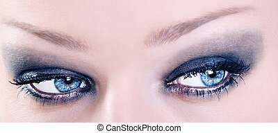cima, de, adorável, femininas, olhos azuis, com, pretas, compor