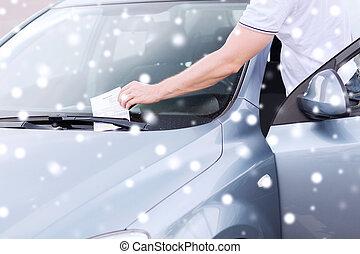 cima, de, homem, com, bilhete estacionamento, ligado, car