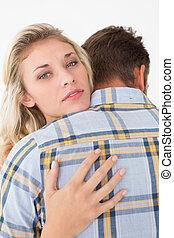 cima, de, par jovem, abraçar