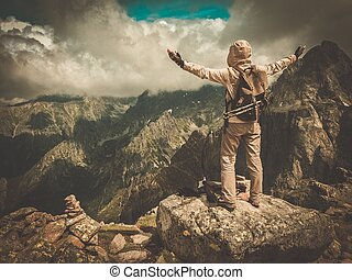 cima, excursionista, montaña