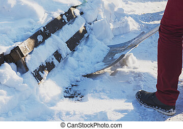 cima., house., neve, limpeza, frente, fim, shoveling, calçada, homem