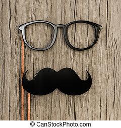 cima legno, occhiali, baffi