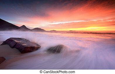 cima, oceânicos, grande, lavagem, ondas, praia, amanhecer
