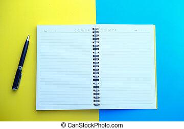 cima, penna, vista, blocco note, tavola., aperto