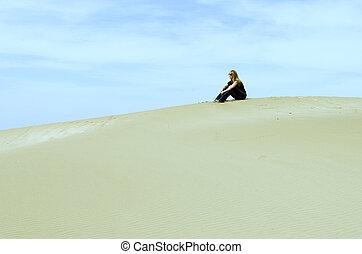 cima, ragazza, duna, seduta