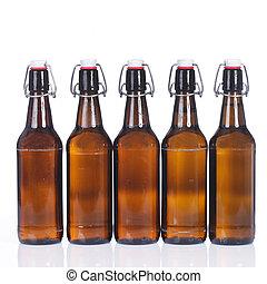 cinco, botellas de cerveza, consecutivo