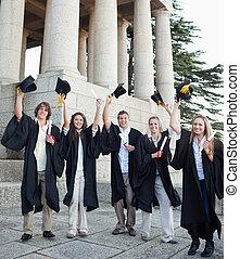 cinco, levantamento, estudantes, grad, seu, chapéus, feliz