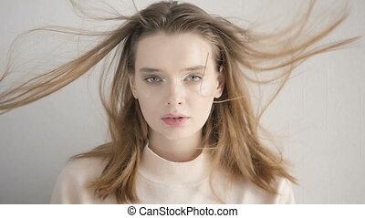 cinemagraph, portret, od, niejaki, piękny, młoda kobieta, w, studio