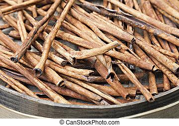 Cinnamon bark in the bowl