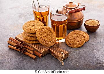 Cinnamon cookies with tea