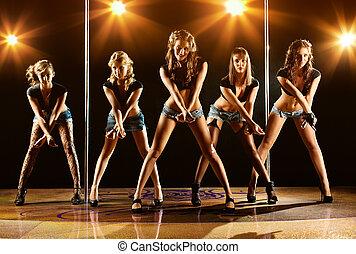 cinq, femmes, exposition