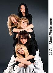 cinq, femmes heureuses, portrait
