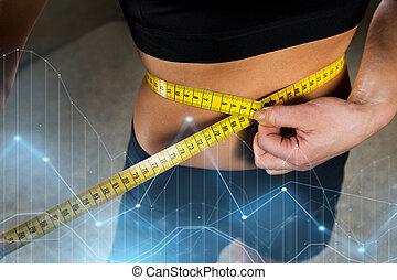 cintura midiendo, gimnasio, cinta, arriba, mujer, cierre