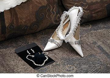 cipők, finom, harisnyakötővel rögzít, menyasszony, esküvő, fehér