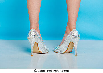 cipők, magas, női, dönt, combok, ezüst