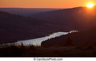 cipreste, pôr do sol, colinas,  reesor, lago