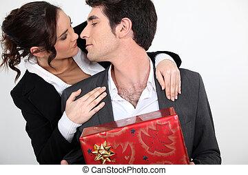 circa, presente, coppia, bacio, natale