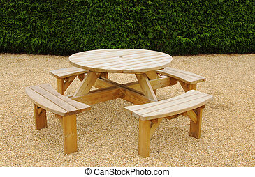 Circular picnic bench