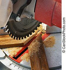 Circular saw cuts plank blade