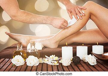 cirer, thérapeute, customer's, femme, jambe