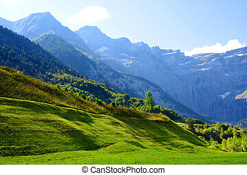 Cirque de Gavarnie in the French Pyrenees, Europe. Summer ...