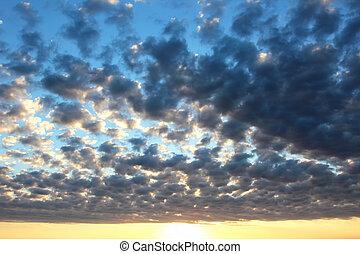 Cirrus clouds in a Sunny dawn