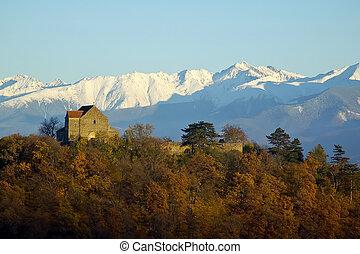 cisnadioara fortress transylvania - cisnadioara fortress in...