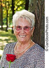 citizen), (senior, plus vieilles femmes