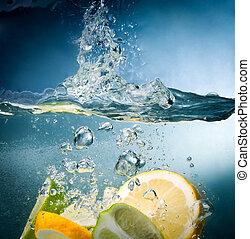 citronträd, falla, in i, den, vatten