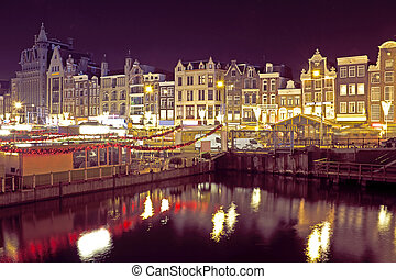 Citsycsenic from Amsterdam in the Netherlands by night
