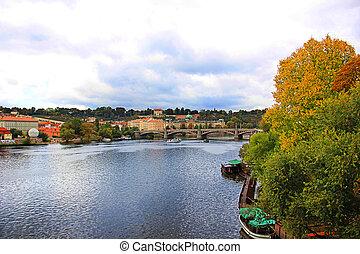 città, autunno, praga, cielo, nuvoloso, vltava, sopra, fiume, vista